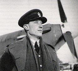 Witold Urbanowicz  - polski as myśliwski, dowódca Dywizjonu 303 mający na koncie 17 powietrznych zwycięstw.